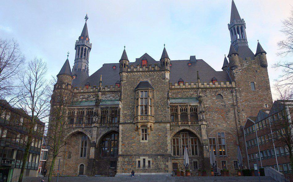 Außenansicht Rathaus-Aachen